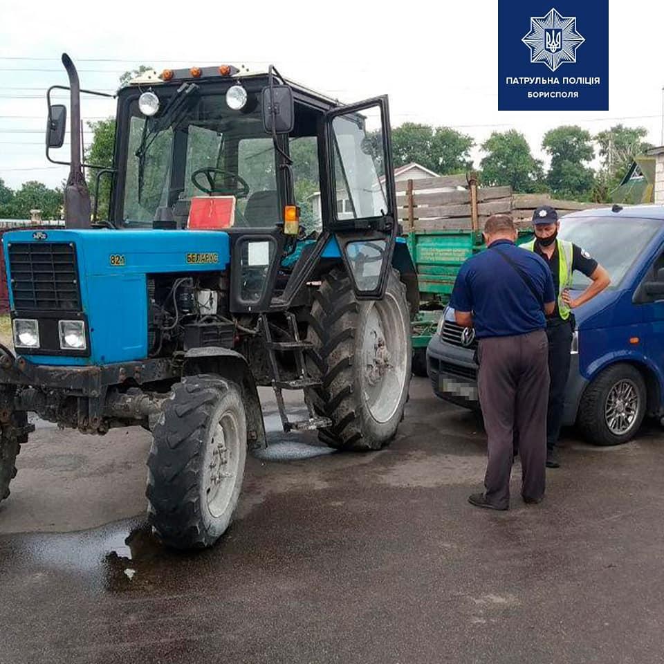 У Борисполі водій буса в'їхав у трактор - трактор, ДТП, Бориспіль - 107669407 2745240465697738 890864329825186529 n