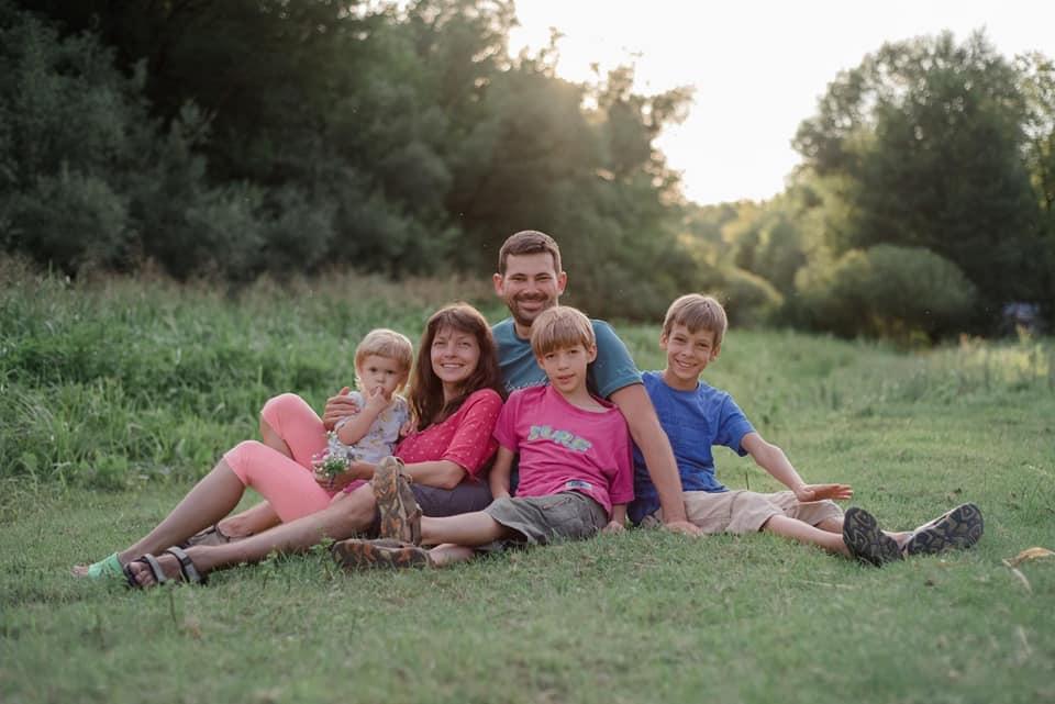 З'явилося фото родини, яка загинула під Києвом з вини п'яного водія - Поліція, Обухів, Козин, ДТП - 108543036 10224010302627845 9164703735985971674 n
