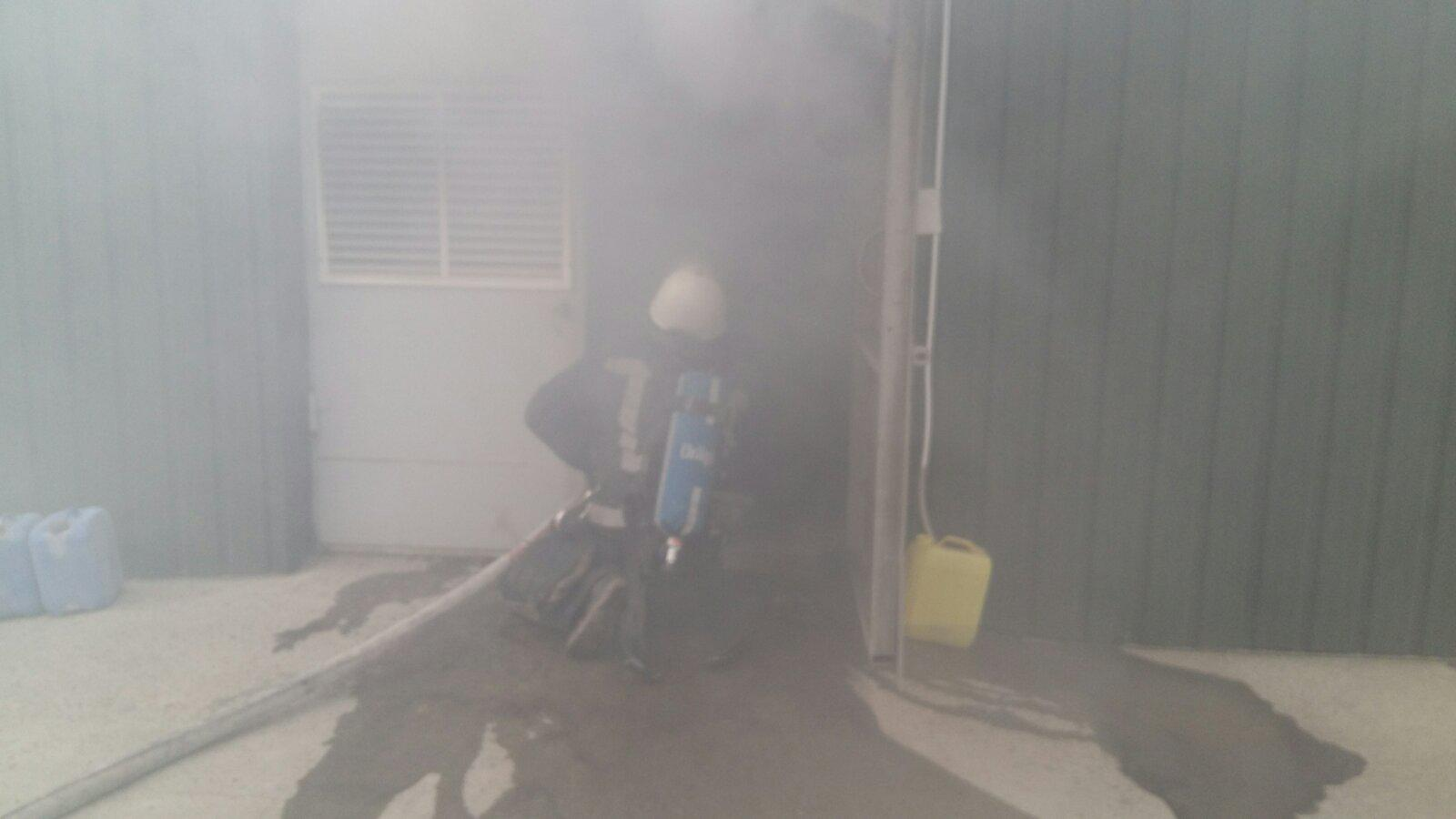 У Білій Церкві загорівся завод з виробництва елеваторів - пожежа, Біла Церква - 12viber
