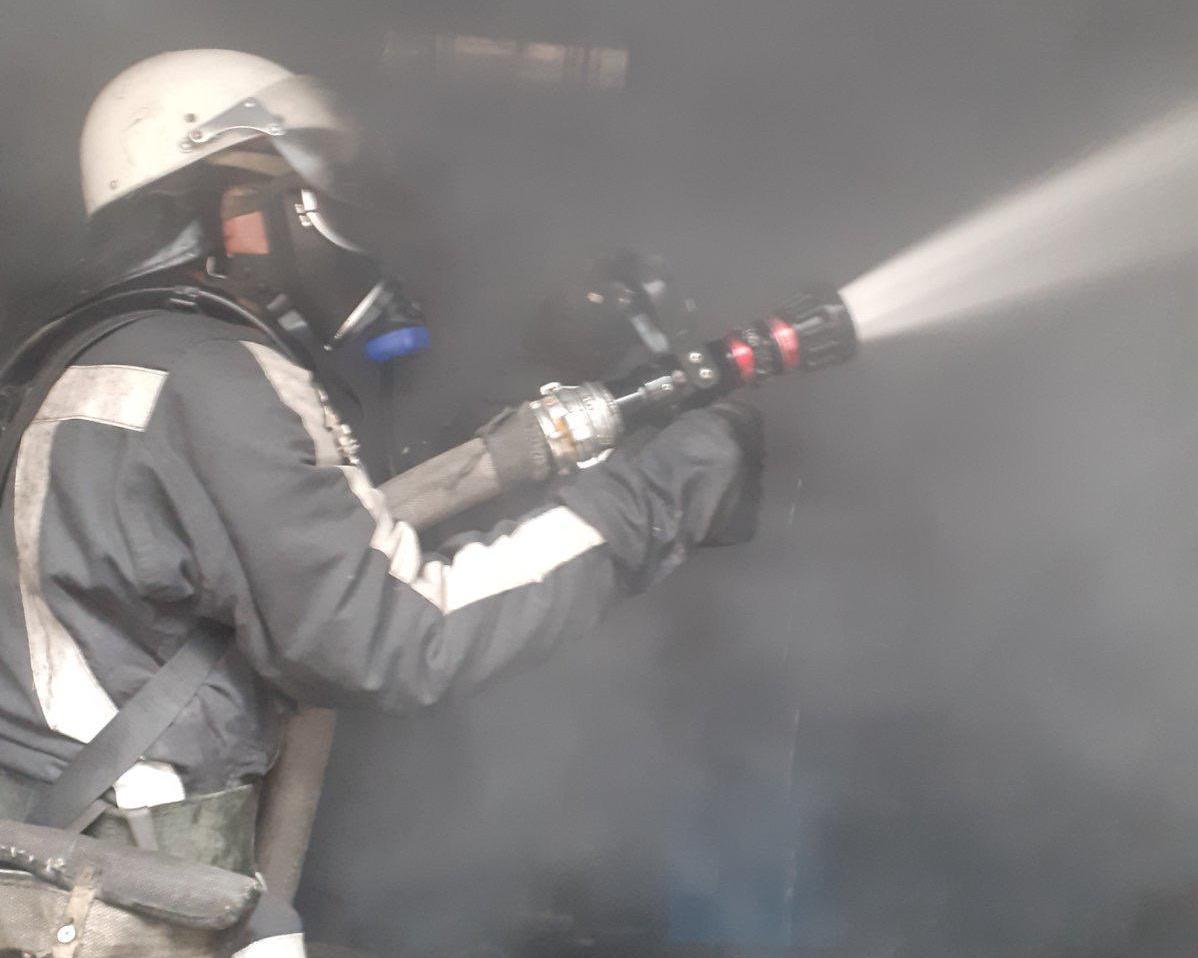 У Білій Церкві загорівся завод з виробництва елеваторів - пожежа, Біла Церква - 13 viber