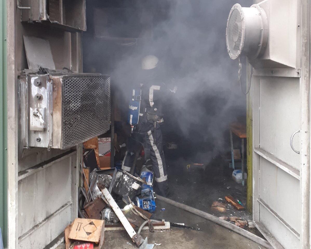 У Білій Церкві загорівся завод з виробництва елеваторів - пожежа, Біла Церква - 14viber