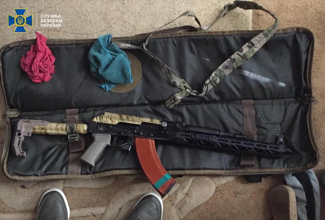 У Києві затримали торговців зброєю - СБУ, Поліція, місто Київ, зброя - 617a7e876fc2b14105352723cba69147