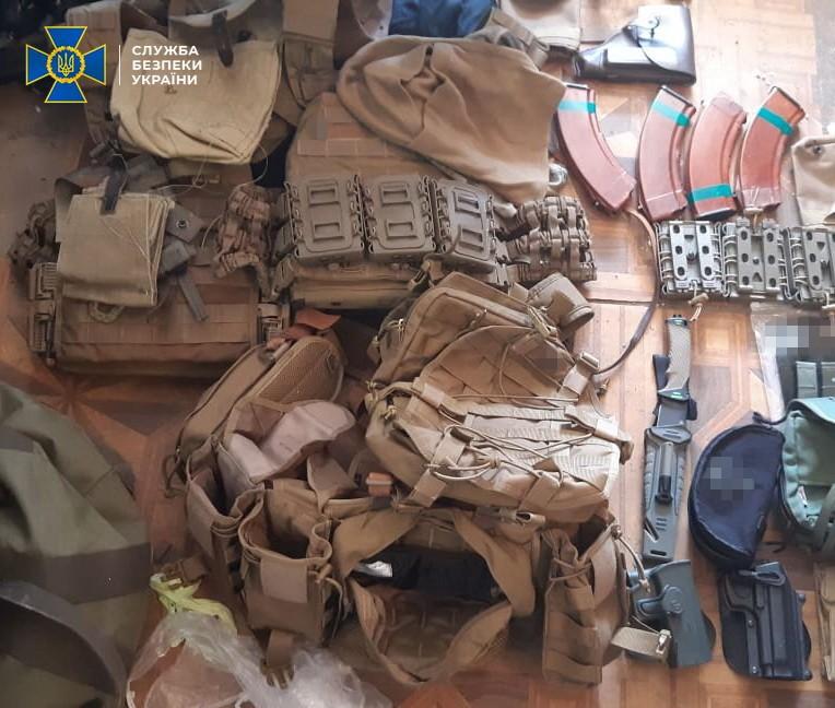У Києві затримали торговців зброєю - СБУ, Поліція, місто Київ, зброя - 9bf637b2d63c73303909615a93aebce8