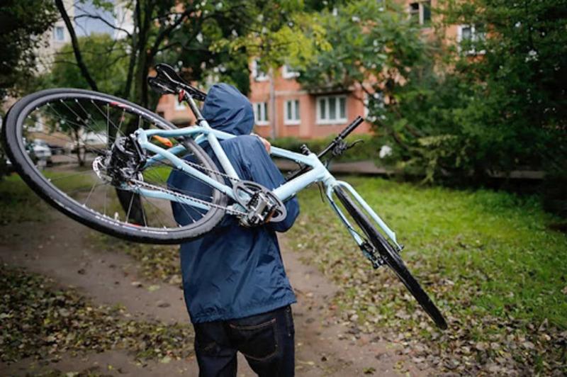 У Забуччі крадія велосипеда затримали за кілька хвилин - крадіжка, велосипед - aprtk