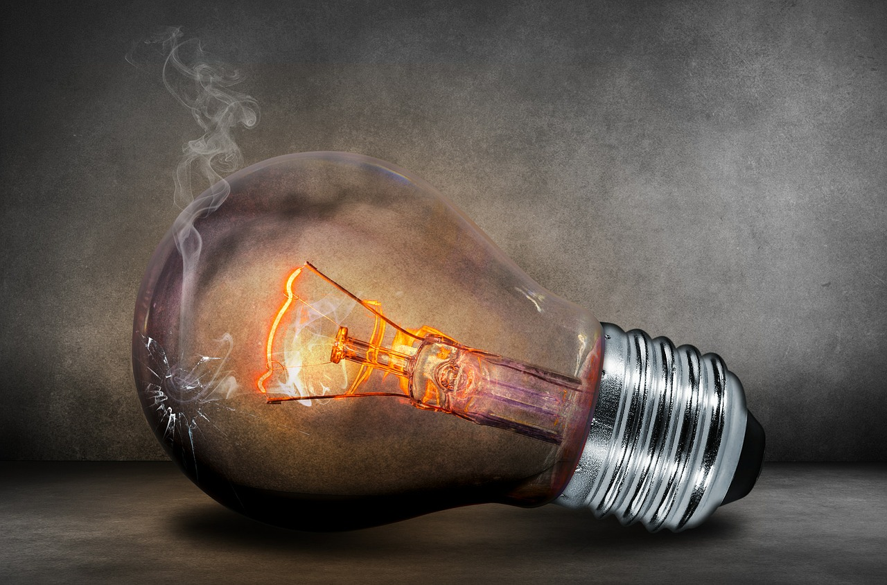 У другій половині липня фастівчанам масштабно відключатимуть світло - Фастів, Київобленерго, Відключення електроенергії - light bulb 503881 1280