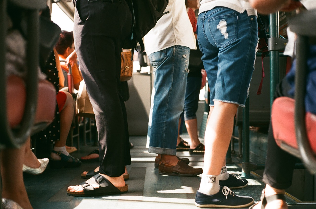 Стало відомо, чи піднімуть вартість проїзду у електротранспорті Києва з 1 серпня - вартість проїзду - passengers 1150043 1280
