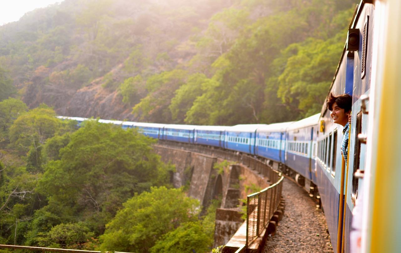 Укрзалізниця може вже у серпні відновити повноцінний рух потягів - Укрзалізниця, Пасажирські перевезення - train 947323 1280
