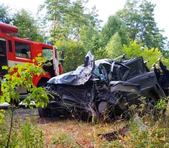 На Бородянщині водій не впорався із керуванням авто та врізався у дерево - ДТП, Аварія на дорозі, Аварія - 03
