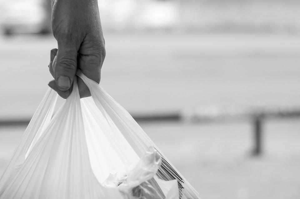 Вбити пластиковий пакет раз і назавжди: в США заплатять $100 тисяч за екоальтернативу - поліетиленові пакети, конкурс - 04 kulek