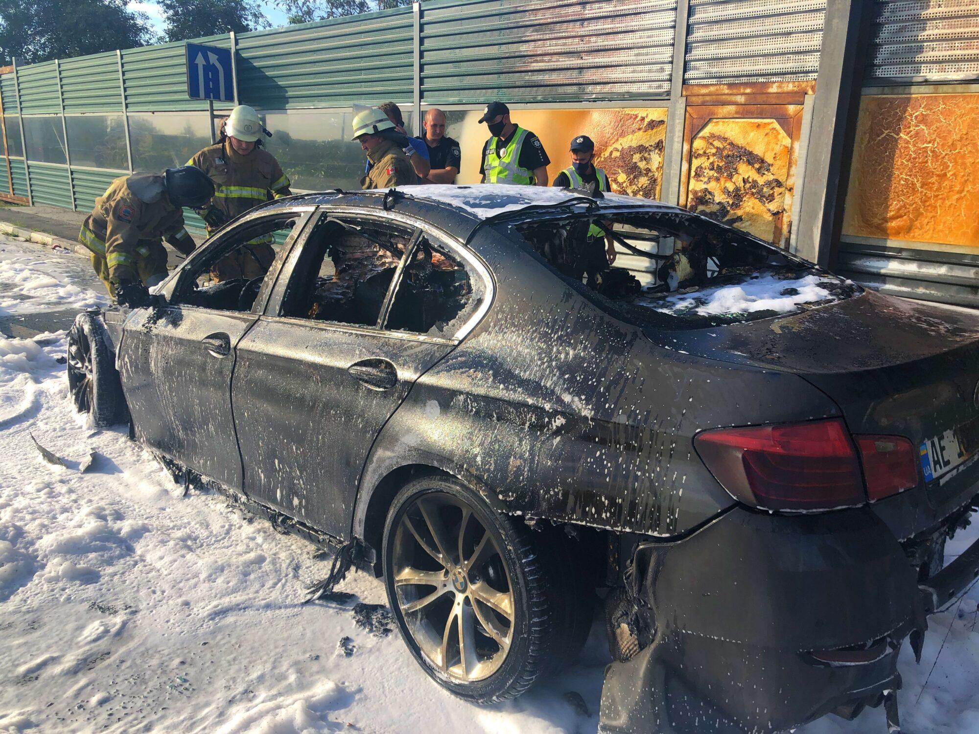 На Варшавці в Київській області згорів BMW (ФОТО і ВІДЕО) -  - 05 2000x1500