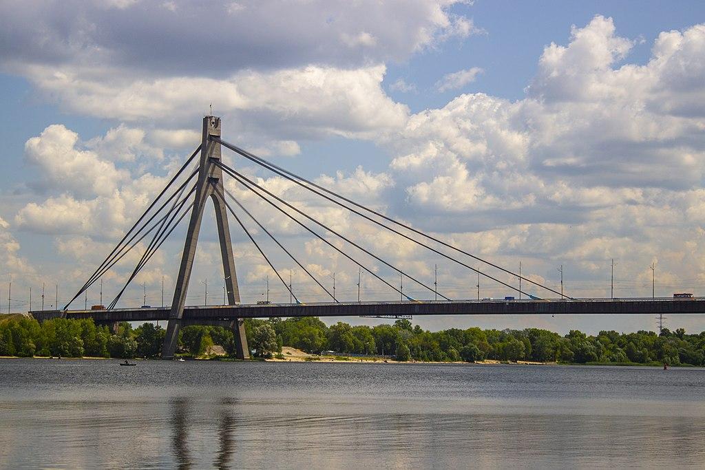 У Києві хлопець стрибнув з Північного мосту -  - 09 most2