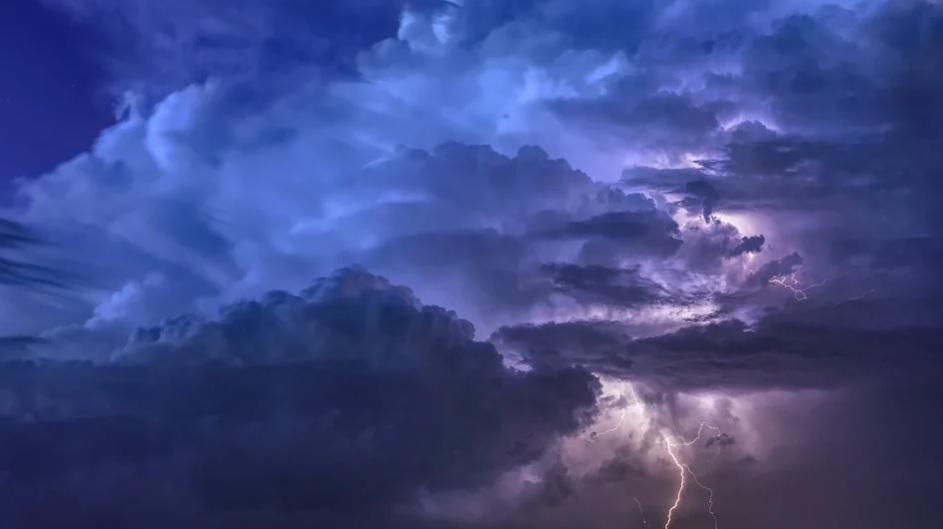 Гроза, злива та град: на Київщині оголошено штормове попередження - погода, злива, гроза, град - 10 groza2