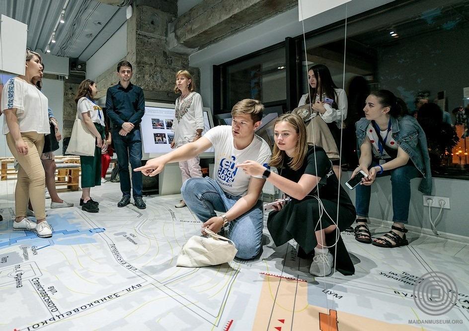 У музеї Майдану проводитимуть безкоштовні екскурсії - Революція Гідності, Київ - 116880944 2340242162949623 1632255737445825435 n