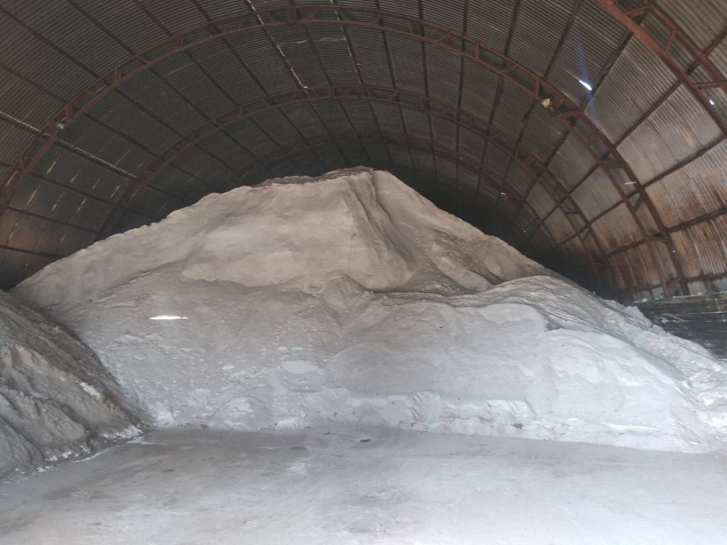Не впадемо: у столиці сформували запаси солі та піску на зимовий сезон - Київ - 117221855 1508801605969381 5459783028517368659 o