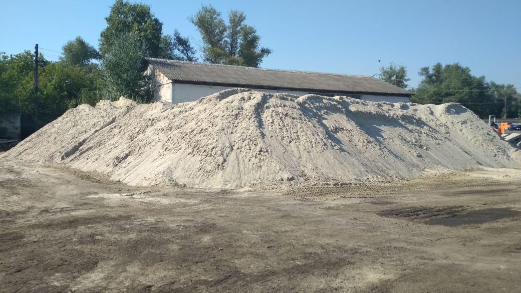 Не впадемо: у столиці сформували запаси солі та піску на зимовий сезон - Київ - 117376104 1508801562636052 6961419273106725843 o