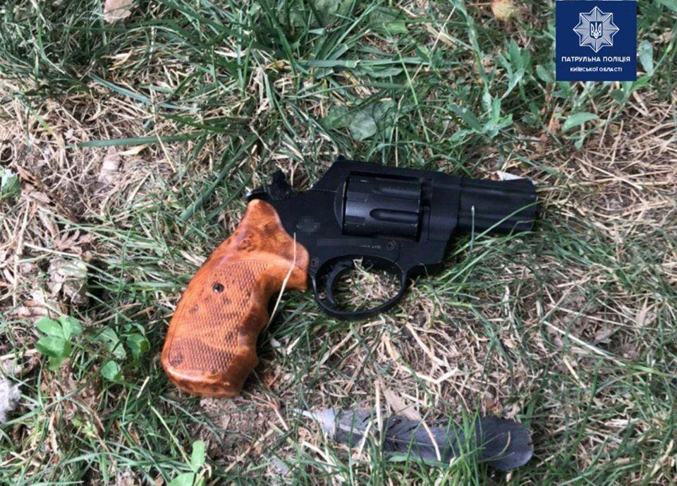Бориспіль: чоловік погрожував відвідувачам кав'ярні пістолетом - поліція Борисполя, пістолет, Бориспільщина, Бориспіль - 117745657 1847615402078711 2017935715219343439 o