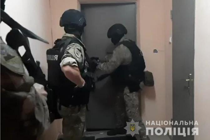 На Київщині затримали крадіїв готівки з терміналів - серійний крадій, крадіжка, Бровари - 11 vor2