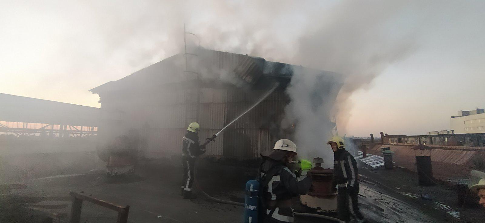 У Білій Церкві загорівся колишній завод «Білоцерківмаз» - пожежа, Біла Церква - 13viber