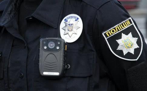 За викрадення кількох пляшок моторного мастила чоловіку загрожує 6 років в'язниці - Поліція, Київ, Грабіжник, АЗС - 1c163e65c5d971c9cdcef5a3f2727ff6fbf9ff79