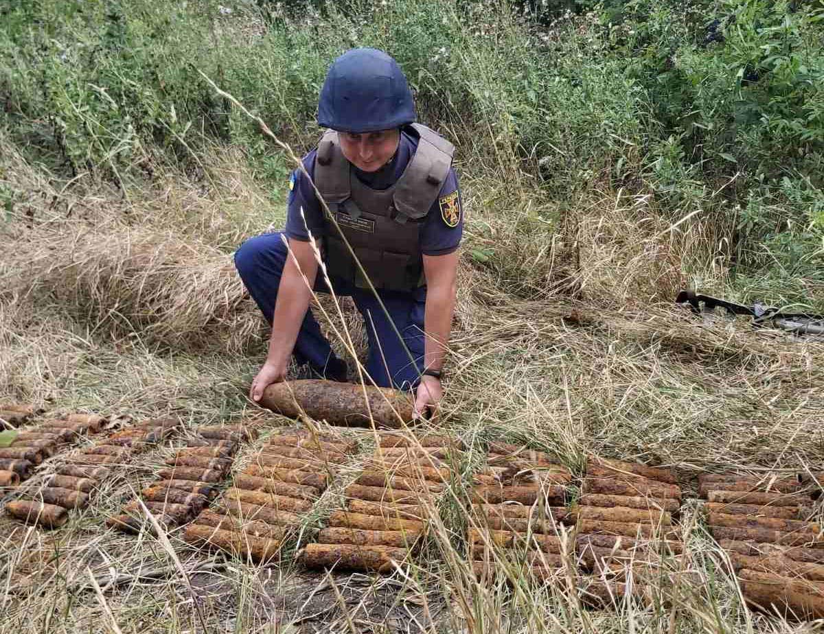 """""""Вибухова"""" знахідка: на Київщині виявили та знищили 124 артилерійські снаряди - Таращанський район, ДСНС, артилерійські снаряди - 1fe V"""