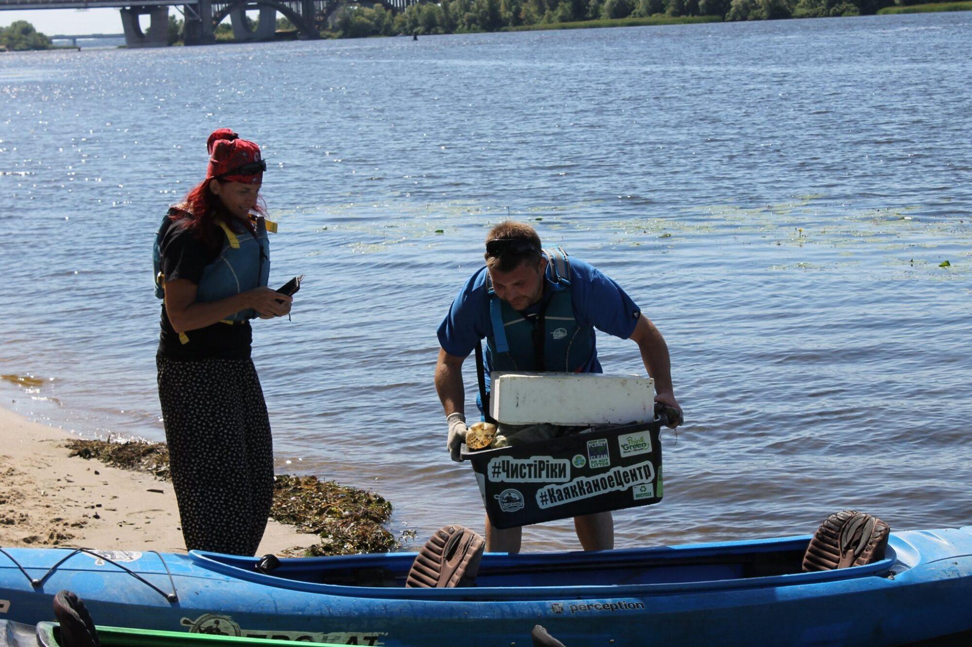 Кияни в акваторії Дніпра збирали сміття на каяках -  - 31 musor3 2000x1333