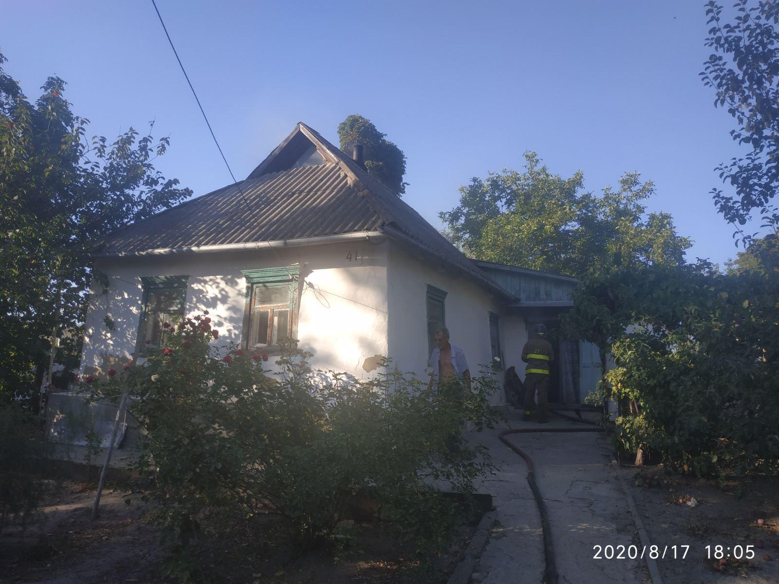 У Сквирі горів будинок та літня кухня - сквира пожежі, Сквира, ГУ ДСНС у Київськійобласті - IMG a47b887122f79ea6edf8d309b4bae59b V