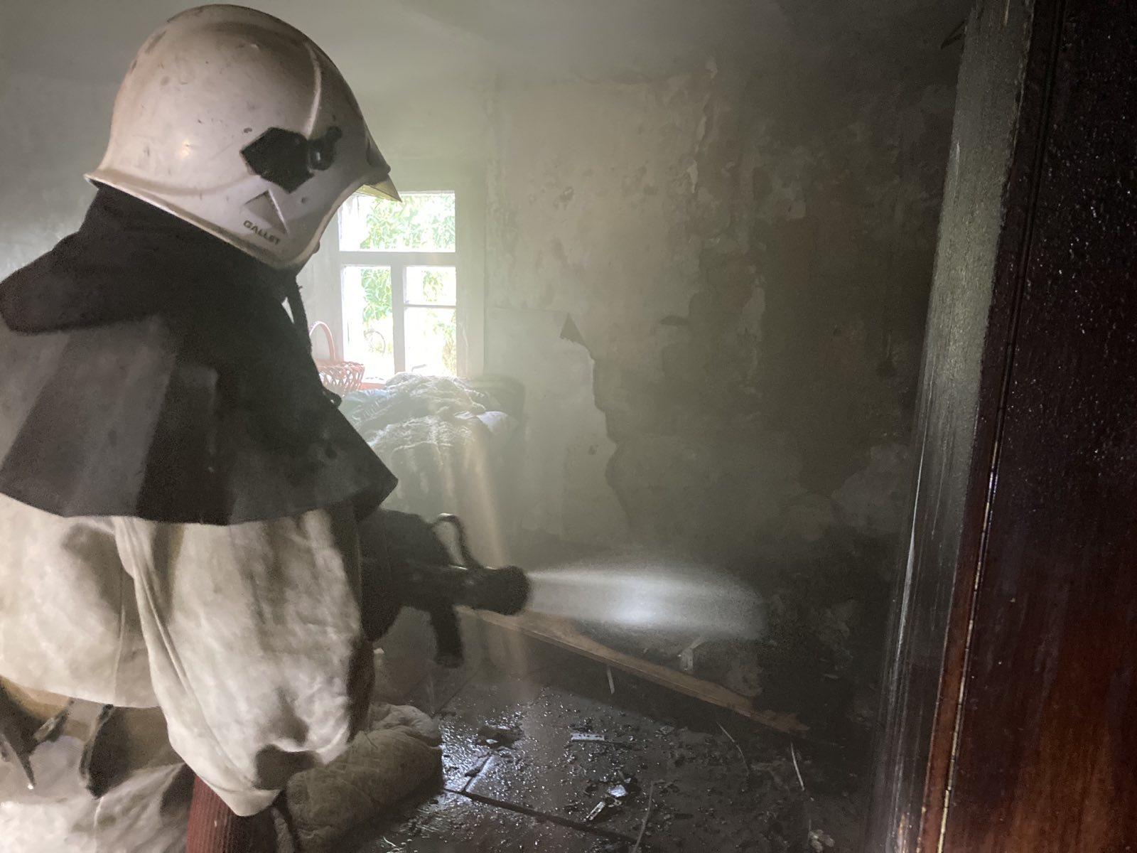 У Сквирі горів будинок та літня кухня - сквира пожежі, Сквира, ГУ ДСНС у Київськійобласті - IMG ca7aa41d7a72621186aa531c3f8afaf4 V