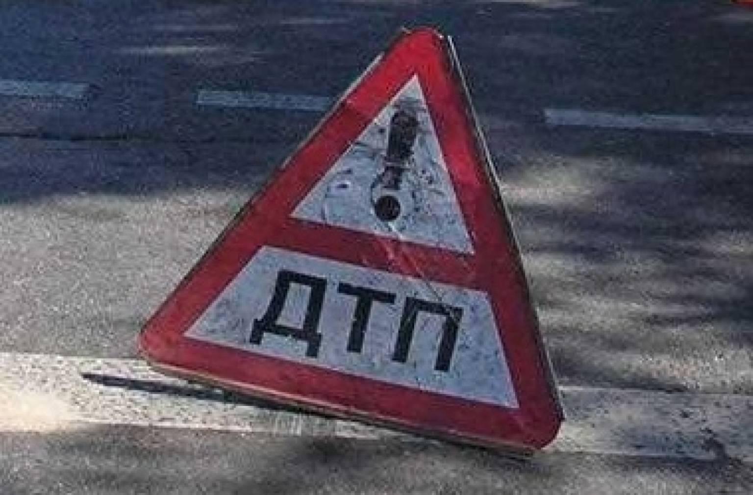 Врізався в огородження: курйозна аварія у Вишневому - київщина, Києво-Святошинський район, Дтп Вишневе, Вишневе, Аварія на дорозі - Vysh vriz