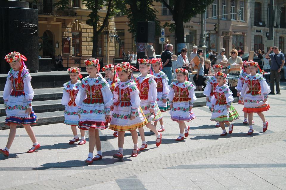Якій мові українці надають перевагу? -  - amateur 3393588 960 720