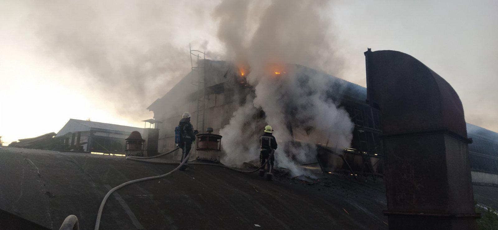 У Білій Церкві загорівся колишній завод «Білоцерківмаз» - пожежа, Біла Церква - yzobrazhenye viber