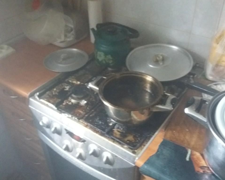 Бровари: готували вечерю - з'їхались рятувальники - ДСНС - yzobrazhenye viber 2020 08 19 18 05 35