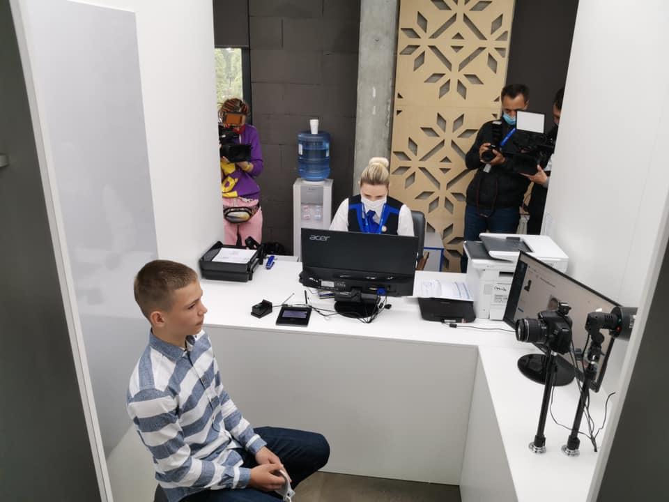 Все менше українців оформлюють закордонні паспорти -  - 100983506 3263960330282753 6320572330623893504 n