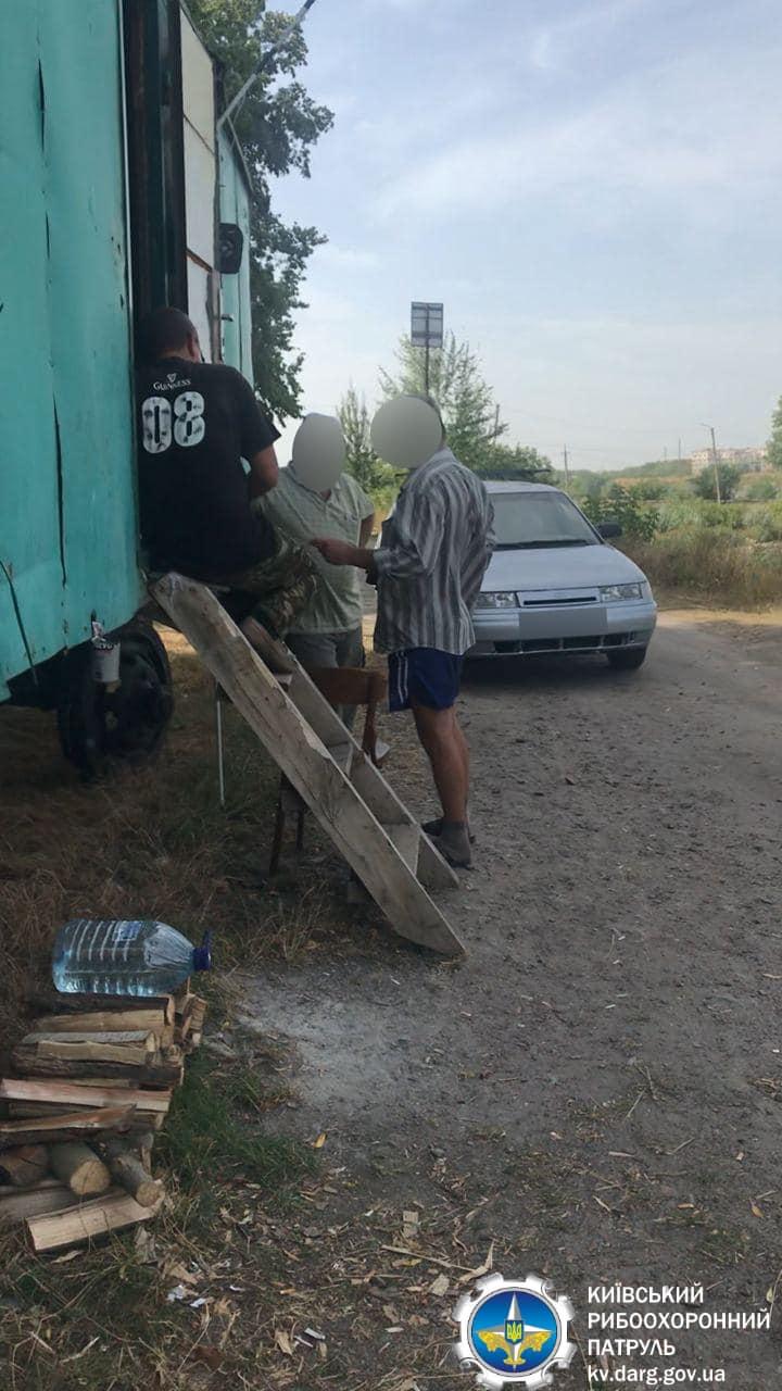В Яготині шахрай брав гроші з рибалок за вилов риби -  - 118700209 168562194849145 2429384234932343766 o