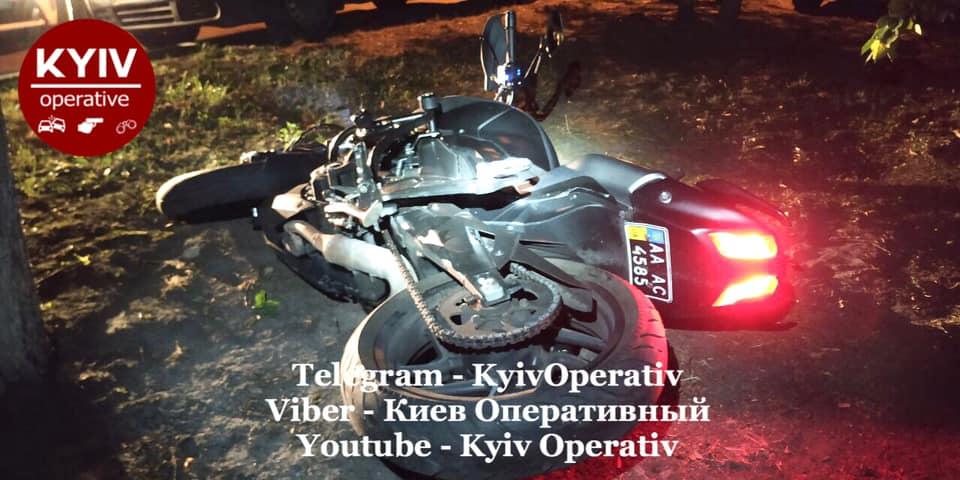 У столичних дворах вночі ловили викрадача мотоцикла - угон, мотоцикл - 119819745 1084289381967147 6047109972007739931 n