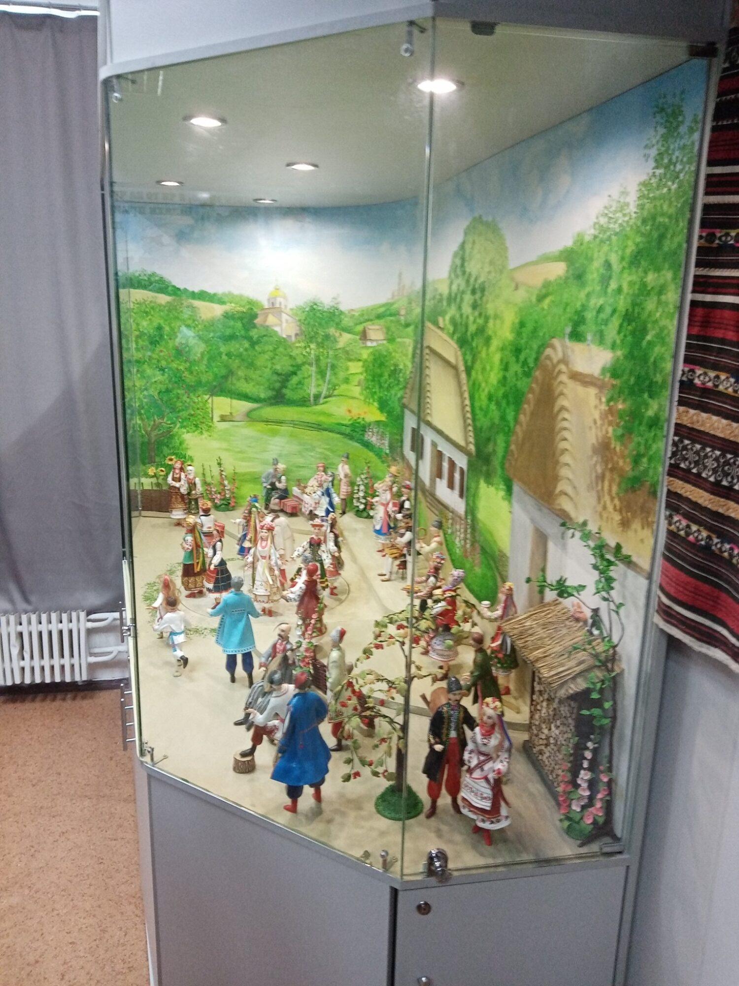 В Бородянці встановили «ляльковий» рекорд України - рекорд України, рекорд - 11 rekord4 1500x2000
