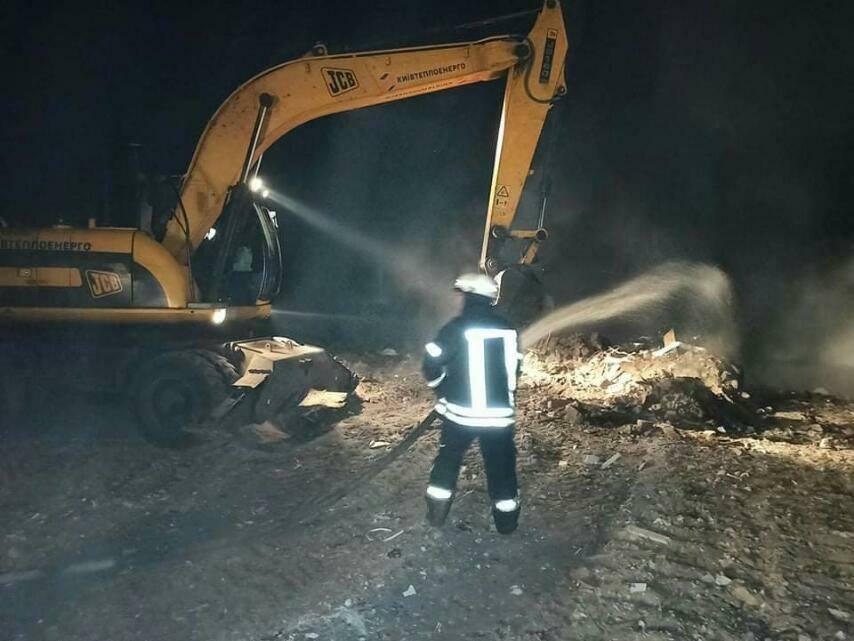 Жителям Дарницького району радять не виходити з дому - торф'яна пожежа, пожежники, Дарницький район - 120004739 3374301172637314 4337904968372620477 n