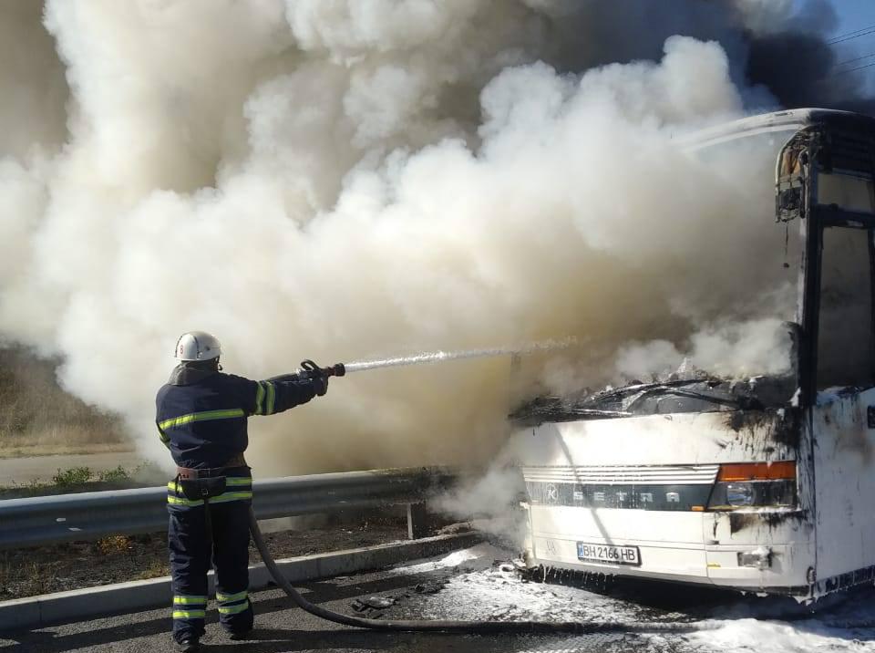 На Київщині на трасі Київ – Одеса загорівся автобус з пасажирами -  - 7252292266450543141 n