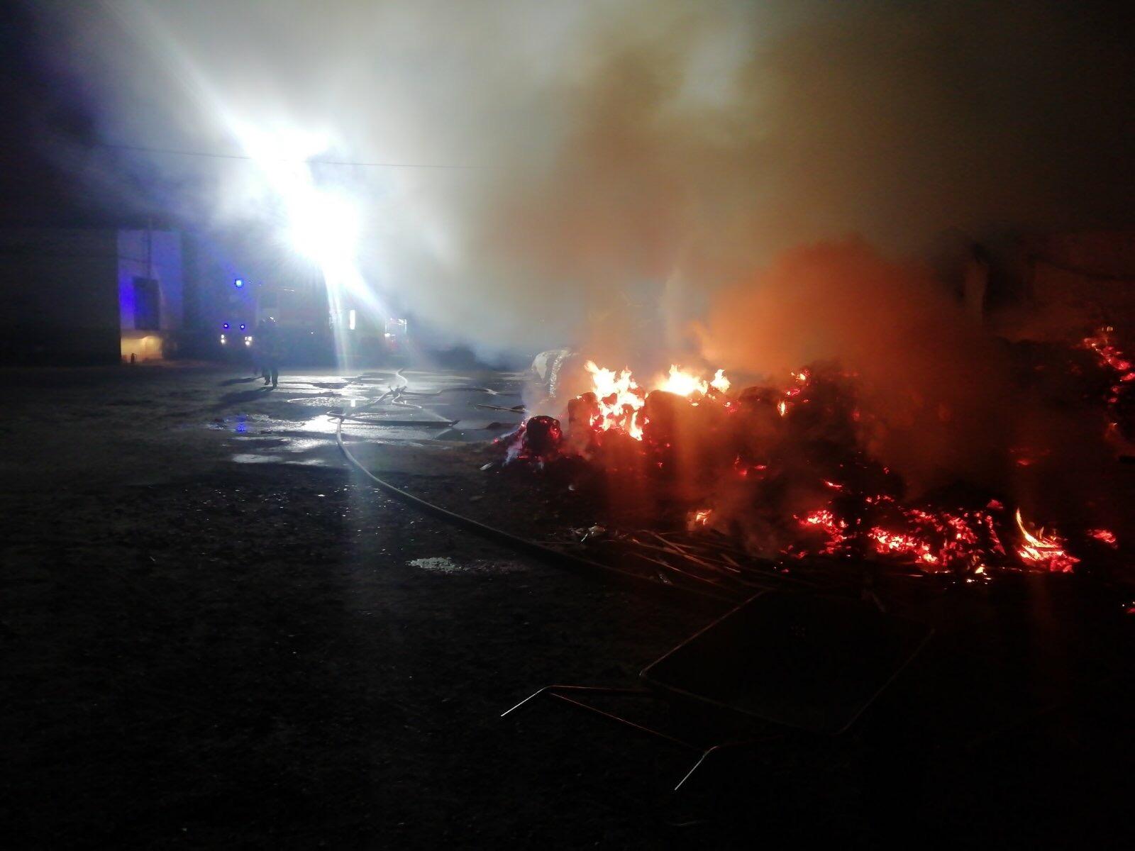 Вогонь охопив столярний цех у Білій Церкві - рятувальники, пожежа, київщина, Білоцерківщина - BC ceh 1