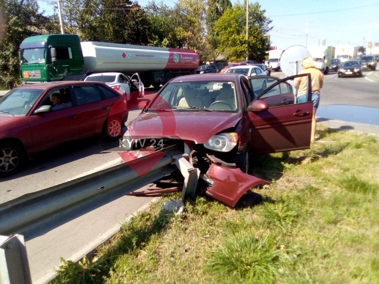 Затори у напрямку «Святошина»: на Кільцевій дорозі сталася аварія -  - IMG 20200905 134405 512