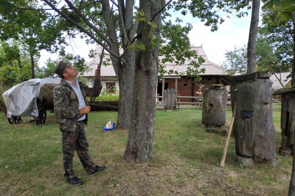 Вишгородські дослідники презентували бортництво на Рівненщині й Житомирщині -  - Proekt Bortnyk osn1