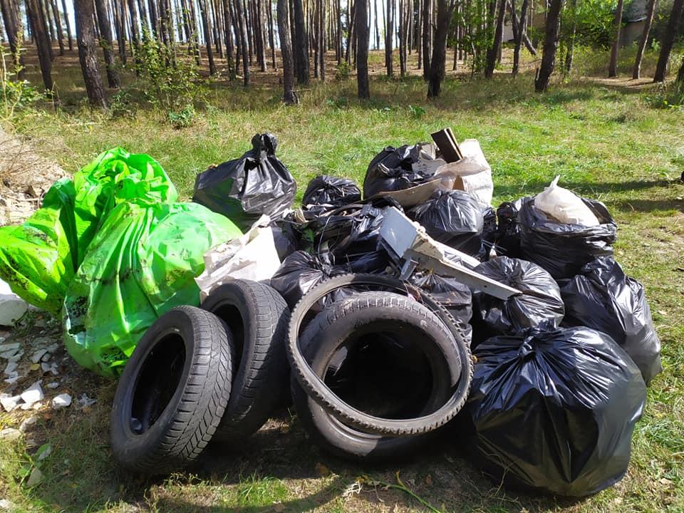 «Люди, схаменіться!»: в Ірпені прибирали сміття - толока, Приірпіння, прибирання міста, київщина, екологія - Pryb osvita 1