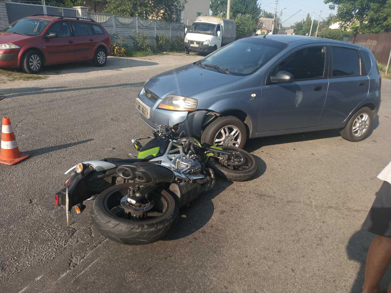 У Броварах сталася мото ДТП з постраждалим - мотоцикл, мотодтп, ДТП з потерпілим - dtp1SM