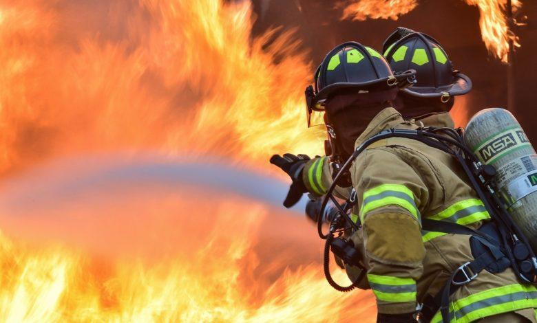 Під Києвом горіла багатоповерхівка - вогонь, багатоповерхівка - firefighters 1717916 1920 e1583160220217 780x470 1