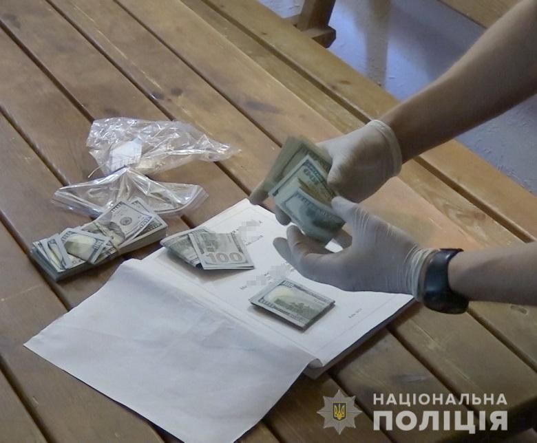 Столичних поліцейських намагалися підкупити за «кришування» автокрадіїв -  - nepravomirvygodakv5 1
