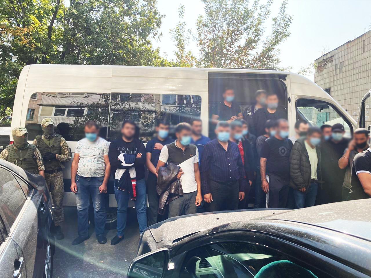 У Києві на Столичному ринку виявили 18 порушників-іноземців -  - news 20200917 100052 1600326052