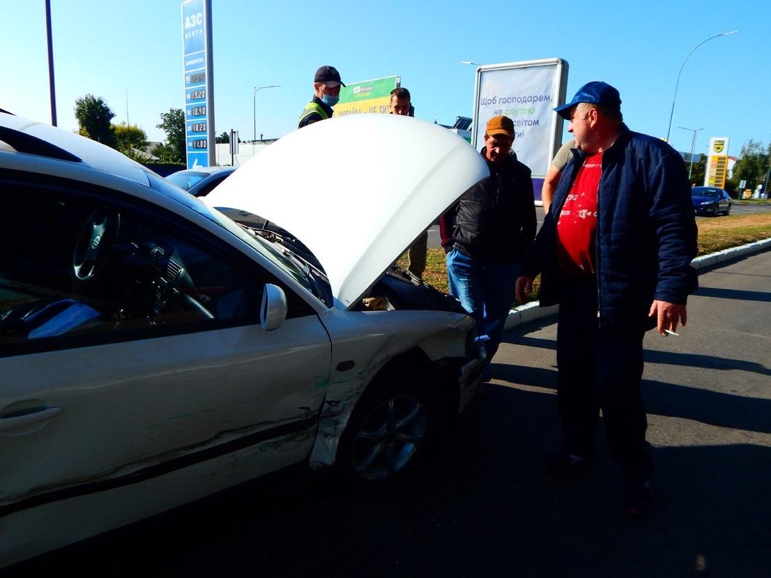 У Переяславі два легковика не поділили дорогу - Поліція, Переяслав, автомобіль - o 1eiqf90tv1psg1jr4opcbfv16ji2b