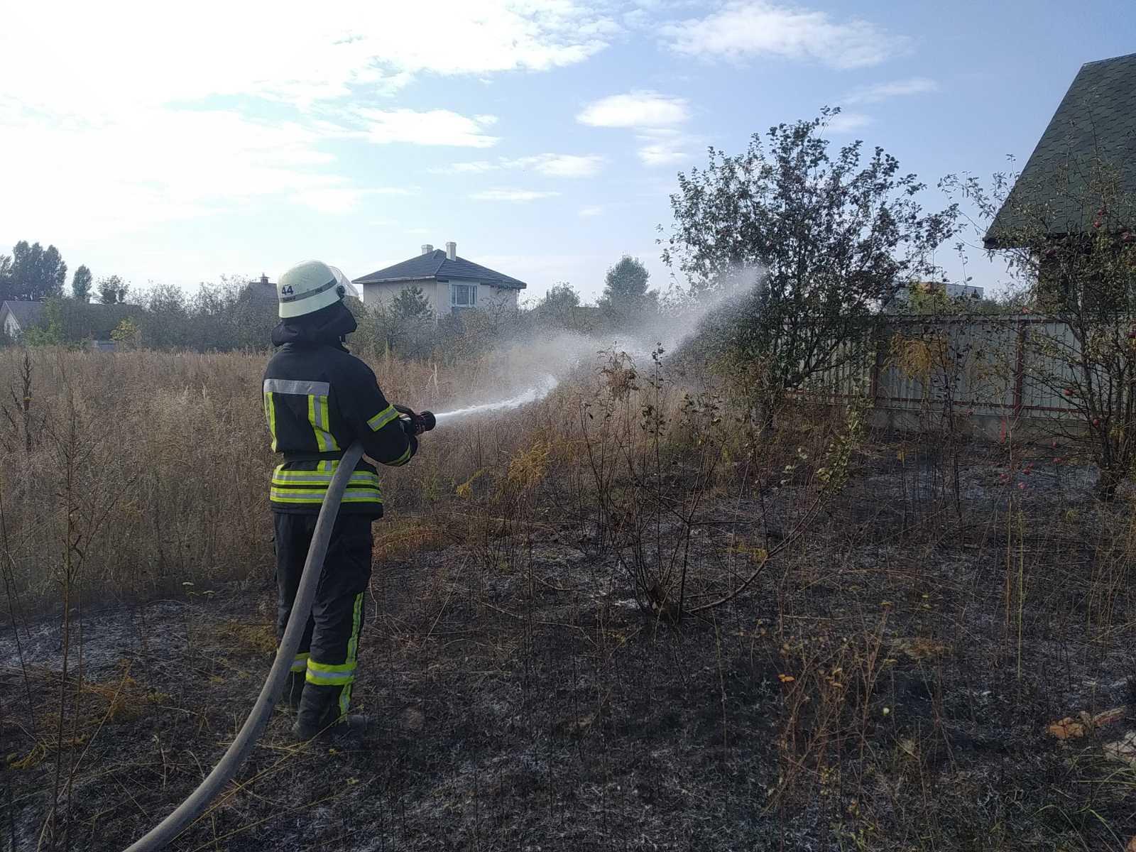 У Києво-Святошинському районі за вихідні було 11 пожеж - ГУ ДСНС у Київськійобласті, вогонь - yzobrazhenye vi2323ber 2020 09 28 09 14 15