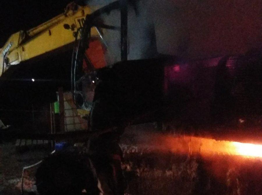 У Білій Церкві повністю згорів екскаватор (відео) - ГУ ДСНС у Київськійобласті, вогонь - 14 viber