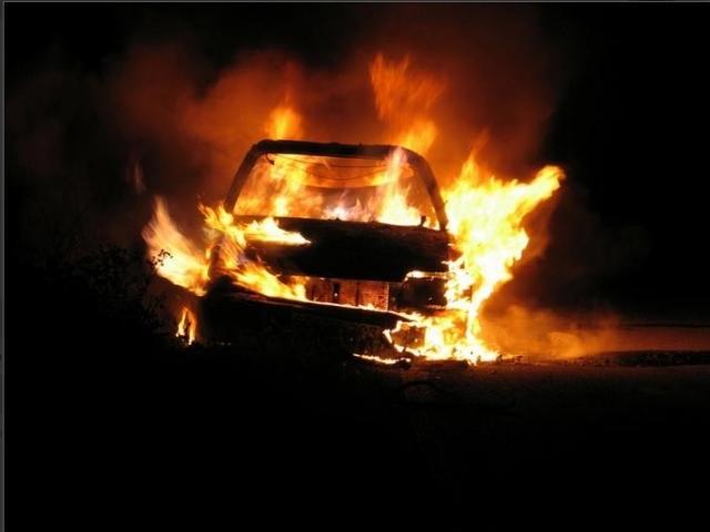 У Святошинському районі горіли дві автівки -  - 2 z14 59f1dc6d 19de 4e51 b39c b71837feb62e