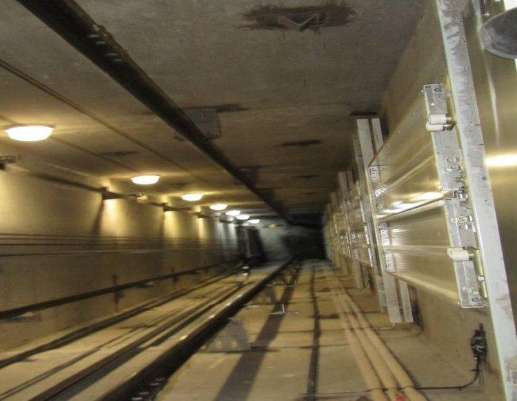У столиці обірвався трос аварійного ліфта з пасажиром - ліфти, Аварія - 20181116 lift3